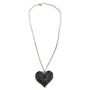3/$8🎉 Silver and black heart long silver necklace